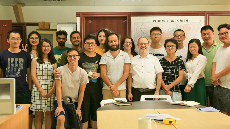 Our lab group in the beginning of September 2017 -- 2017年初我们实验组