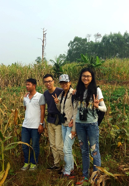 Sampled agricultural landscapes near Nanning. From right to left: Wenjing Zhou, Yong Jing Tian, Demeng Jiang and Gui Lou.